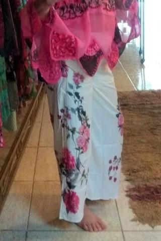 Calça Pantatcourt em Poliéster com Desenhos Laterais Rosa