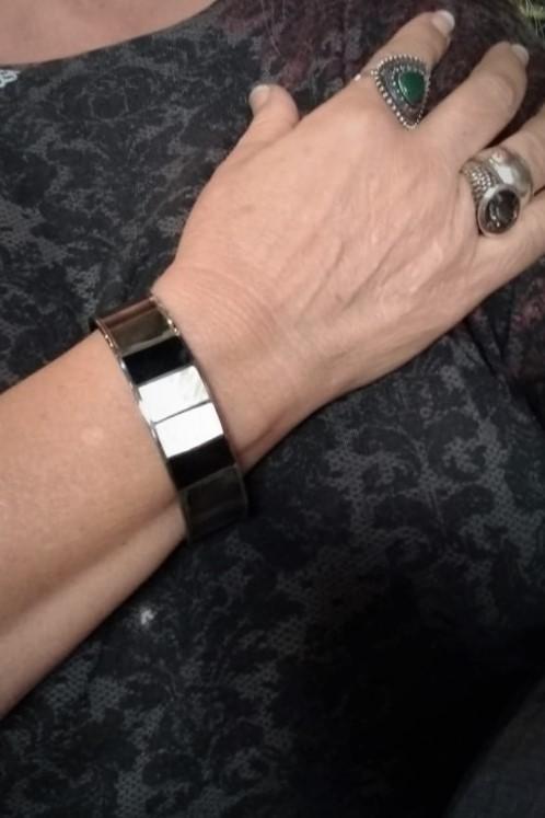 Bracelete em Prata com Madrepérola e Onix