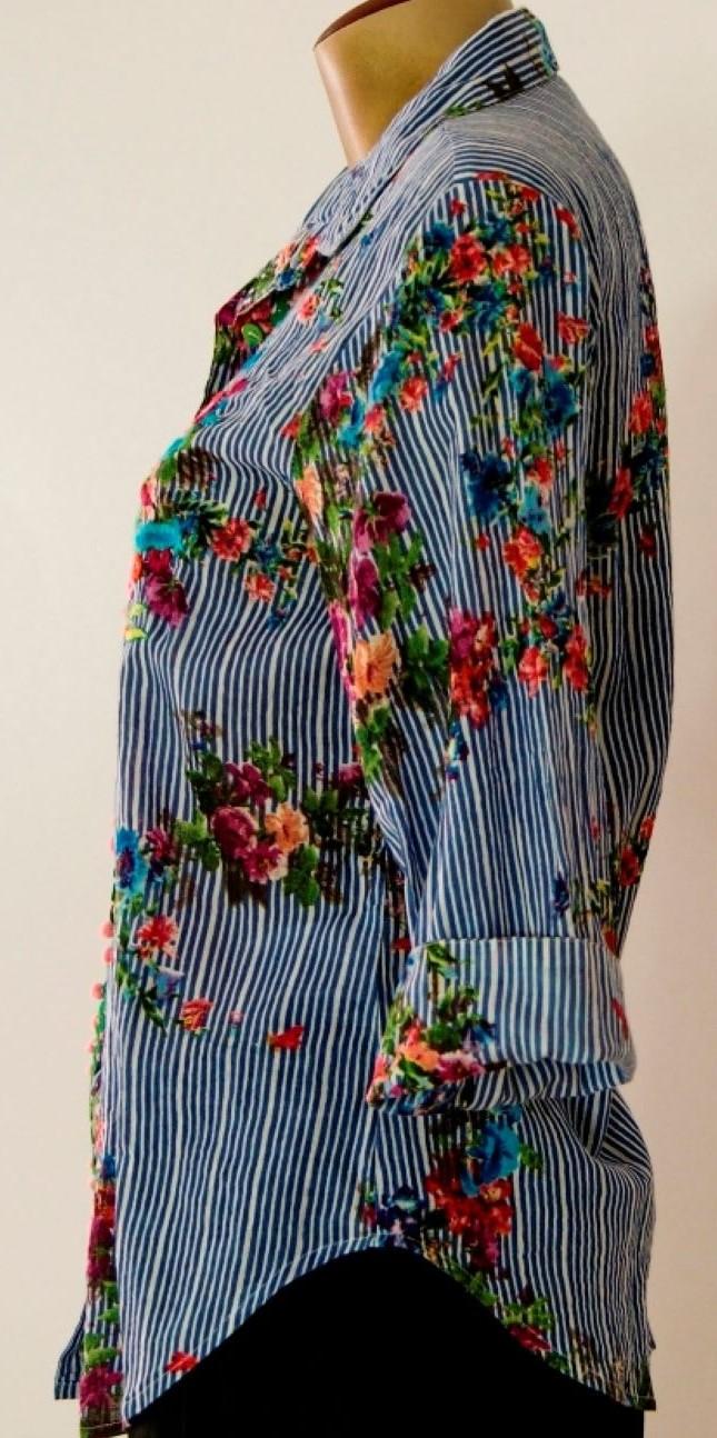 Camisa em Algodão Bordada Pompons Azul G