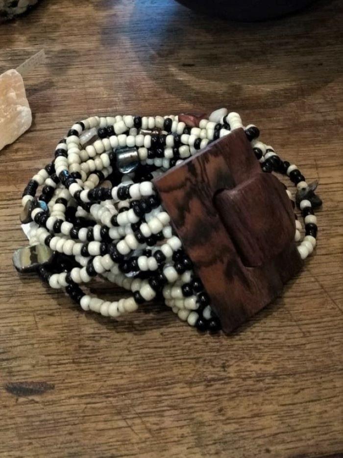 Bracelete em Missangas Color Branca e Preta