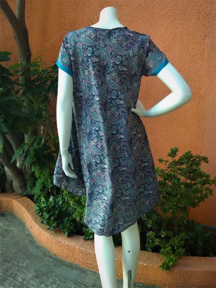 Vestido em Seda Curto Trapézio com Mangas Curtas Azul