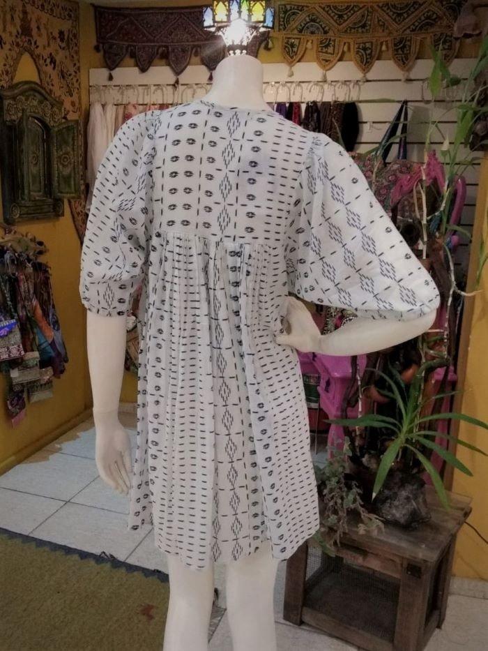 Vestido em Algodão Curto tipo Bata com Mangas Curtas